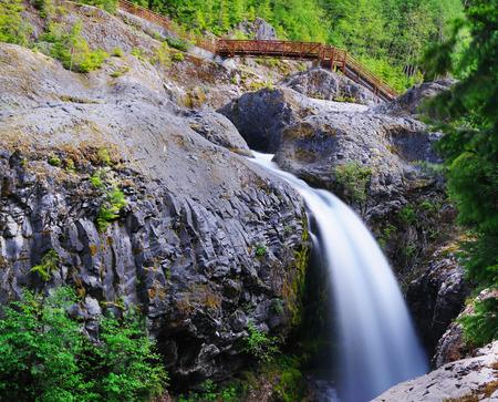 Een waterval in Mt Saint Helens