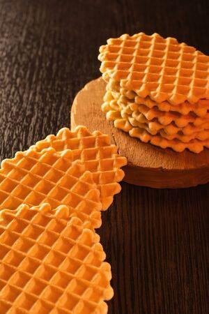 Wafer biscuits on the table. Zdjęcie Seryjne