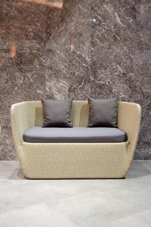 muebles de madera: moderno sofá de madera de dos asientos