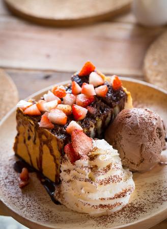 helado de chocolate: Fresa del chocolate miel Tostadas con helado