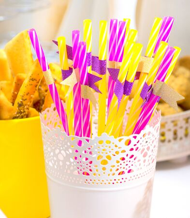straws: Striped drink straws