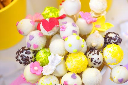 cake pops: Cupcake cake pops