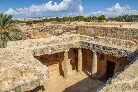 rey: Antigua necrópolis Paphos conocido como Tumbas de los reyes, Chipre. Foto de archivo