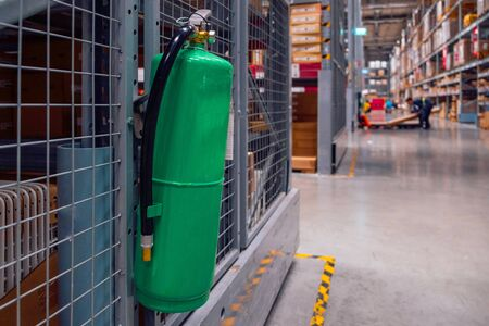 Geen fire extinguishers in the warehouse.