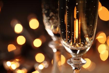 グラス スパーク リング ワイン付きのクローズ アップ