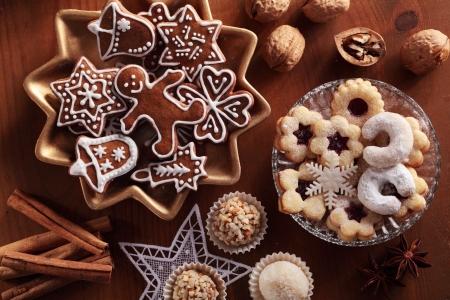 biscotti di natale: Vista dall'alto di vari biscotti di Natale. Archivio Fotografico