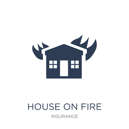 House on fire icon. Trendy flat vector House on fire icon on white background from Insurance collection, vector illustration can be use for web and mobile, eps10 Banque d'images - 112136851