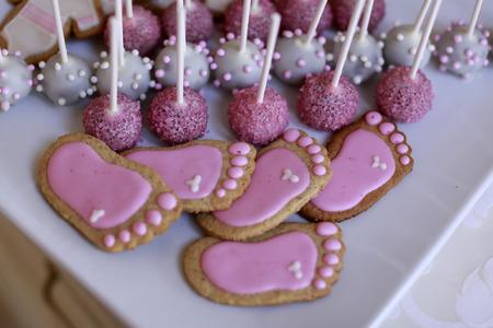 festal: Selezione di un caramelle festal con glassa e zucchero di diversi colori, immagine orizzontale