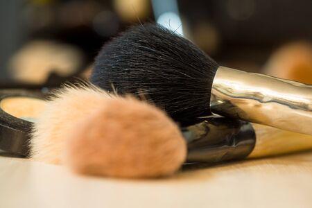 tabel: Makeup brushes on background of tabel. Make-up background