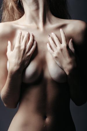 Jung dünn nackt