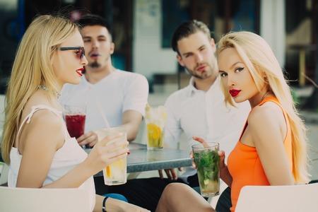 Dating cafe lounge shisha