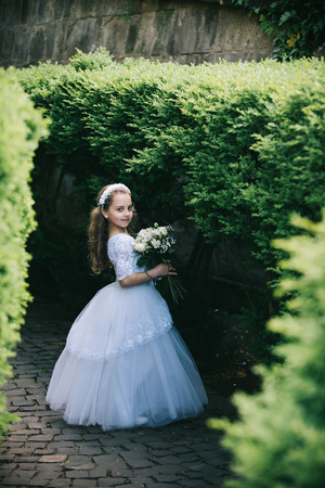 Fashion, Cinderella, princess. fashion and beauty, little girl Banque d'images - 100373515
