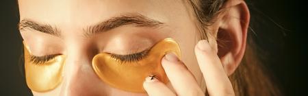 collagen mask under eyes gold color from wrinkles Standard-Bild