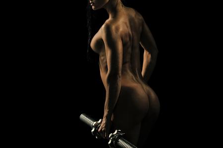 Sinnliche Frau. Frau mit Körper beim Training.