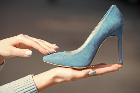 Womens shoes. fashion female shoe from blue suede in hand Banque d'images - 103848206