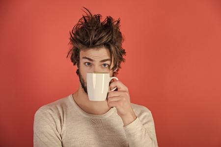 Matin avec café ou lait.