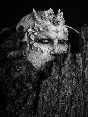 man with thorns on face Imagens - 112408152