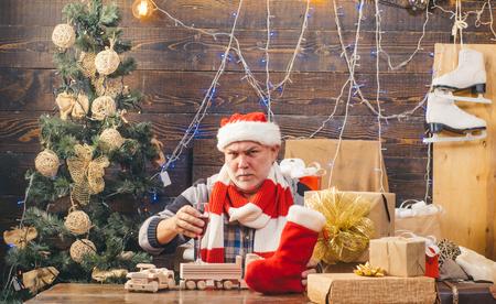 Funny santa wishes Merry christmas and Happy new year. Christmas eve. Happy new year. Christmas gift. Banco de Imagens