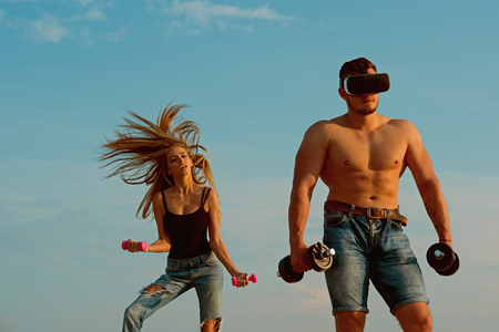 Innovation in sport. Man bodybuilder in vr headset use innovation for training. Innovation for getting stronger. Build muscle with innovation device. Trust me, I am athletic trainer Stok Fotoğraf - 115167500