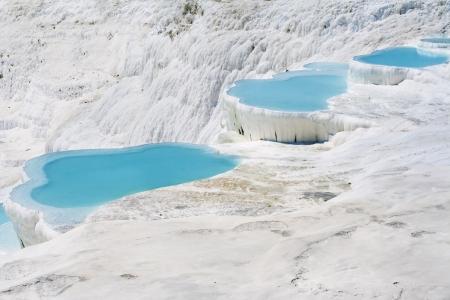 トラバーチンの自然のプールと段丘、ヒエラポリス-パムッカレ, トルコ