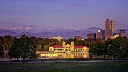 denver co: Skyline de Denver City Park en Sunrise