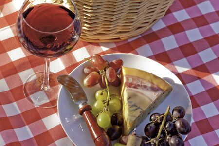 co cork: Wine and cheese picnic
