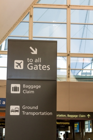 denver co: Directional sign in airport