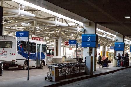 denver co: Correspondencia guagua �rea en el aeropuerto ocupado