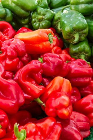 bell peppers: Display of organically grown bell peppers at local farmers market Stock Photo