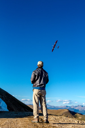 drones: JONES PASS-EMPIREPARSHALL, COLORADOU.S.A. – September 7, 2014: Model airplane and drone testing on the top of the Continental Divide at Jones Pass wilderness area in the Colorado Rocky Mountains on September 7, 2014 in EmpireParshall, Colorado Editorial