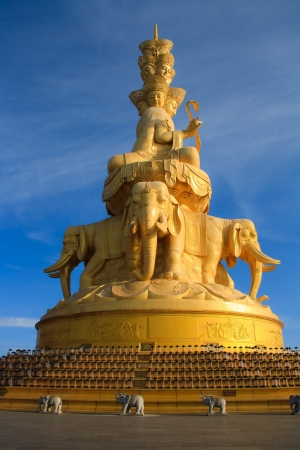 Golden statue and temple in the top of the Mt  Emeishan  Sichuan  China