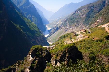 Landschap van Tiger Leaping Gorge Tibet China Stockfoto