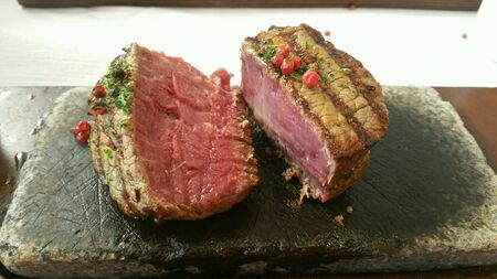 grill: Steak on hot stone