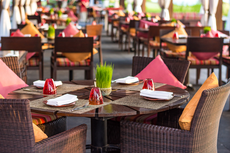 friendless: Table setting at casual outdoor restaurant Stock Photo