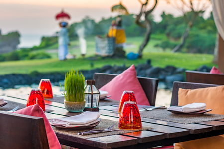 Table setting at casual outdoor restaurant Stock Photo