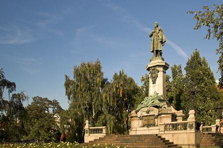 mickiewicz: Mickiewicz monument