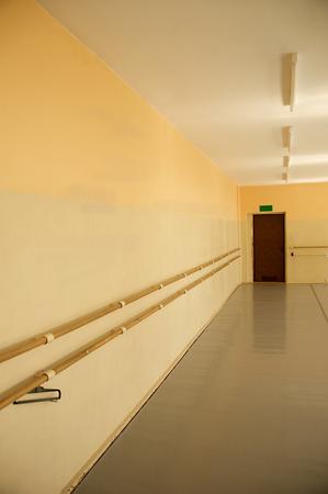 Interior of an old empty ballet school for chidren Редакционное