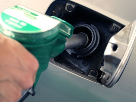 FILL UP OF GASOLINE  Stock Photo - 18414832