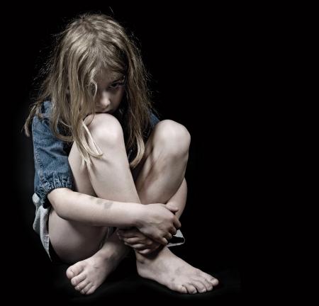 maltrato infantil: Abuso infantil niña Foto de archivo