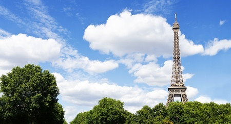 Summer view on Eiffel tower Stock Photo - 21924768