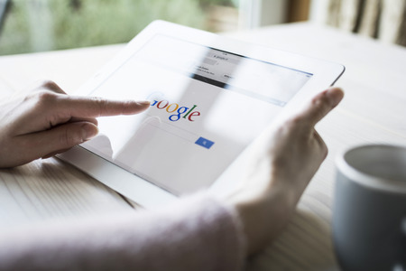 Google 検索のタブレット pc