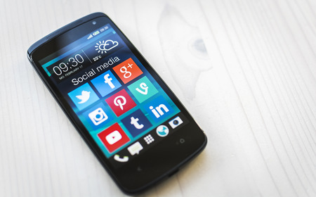 skype: Social media on samsung smartphone