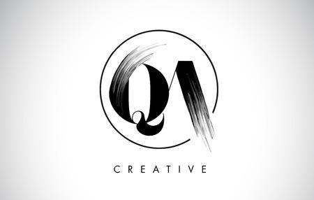QA Brush Stroke Letter Logo Design. Zwarte verf Logo Leters pictogram met elegante cirkel Vector Design.