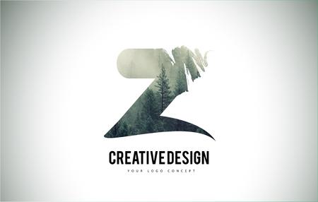 Brosse de lettre Z avec texture de brouillard de forêt. Vecteur de conception de logo de forêt arbres lettre.