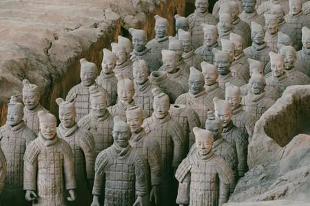 西安、中国の戦士の有名なテラコッタ軍のクローズ アップ