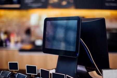 Machine de facturation POS pour le paiement avec écran vide au café
