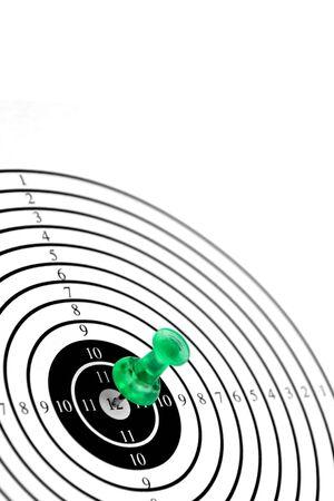 doelsoorten of doel-kaart met groene pin geïsoleerd op witte achtergrond, je doelen, zie ook mijn andere beelden van doelen Stockfoto