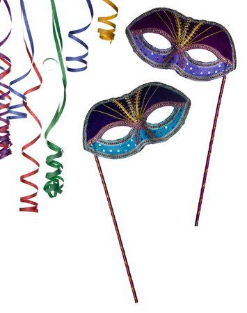 partij frame, masker en confettie geïsoleerd op een witte achtergrond als kopie-ruimte. Neem een kijkje op mijn vergelijkbare beelden met maskers