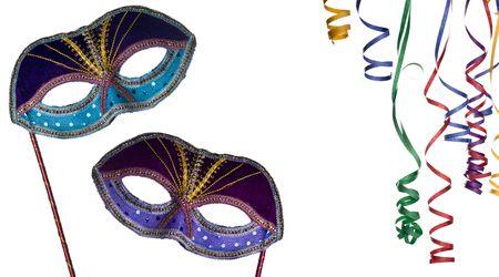 partij, frame, masker en confettie geïsoleerd op een witte achtergrond, neem een kijkje op mijn vergelijkbare beelden met maskers kopie-ruimte  Stockfoto