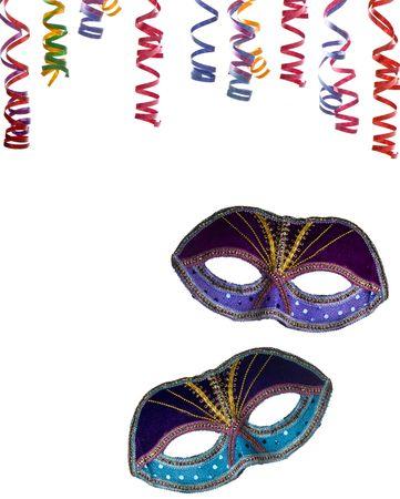 partij frame, masker en confettie geïsoleerd op een witte achtergrond als kopie-ruimte